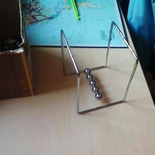 Mini Pêndulo de Newton