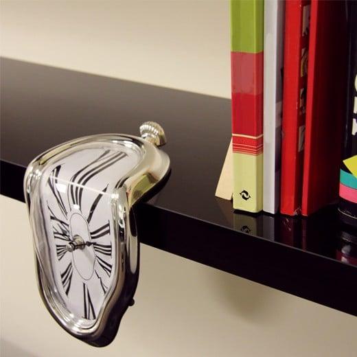 Relógio Derretido à la Mode de Dalí