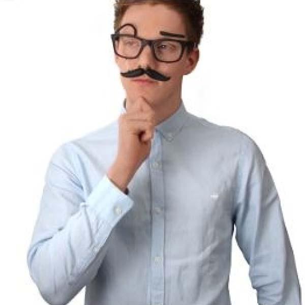 Gafas con Bigote y Cejas