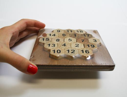 Puzzle Matemático - Aristóteles