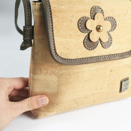 Bolsa com Flor em Cortiça