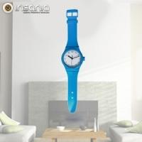 Reloj de pared colorido