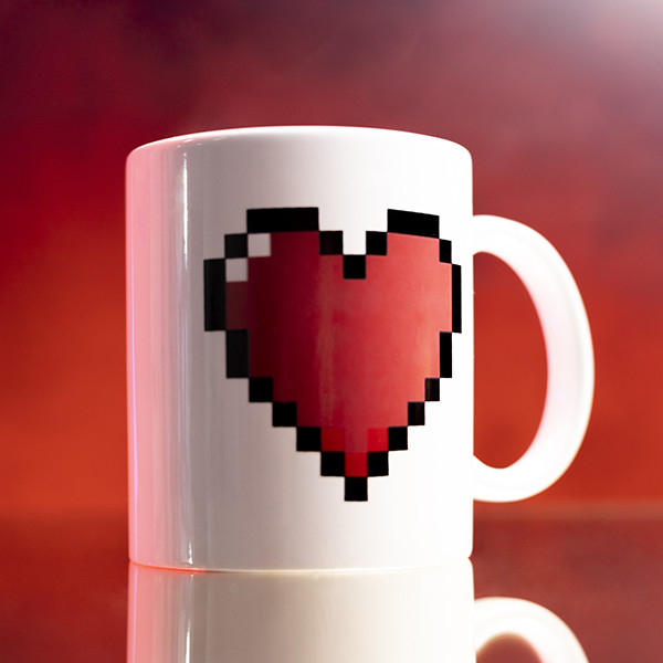Taza con Corazón Pixelado
