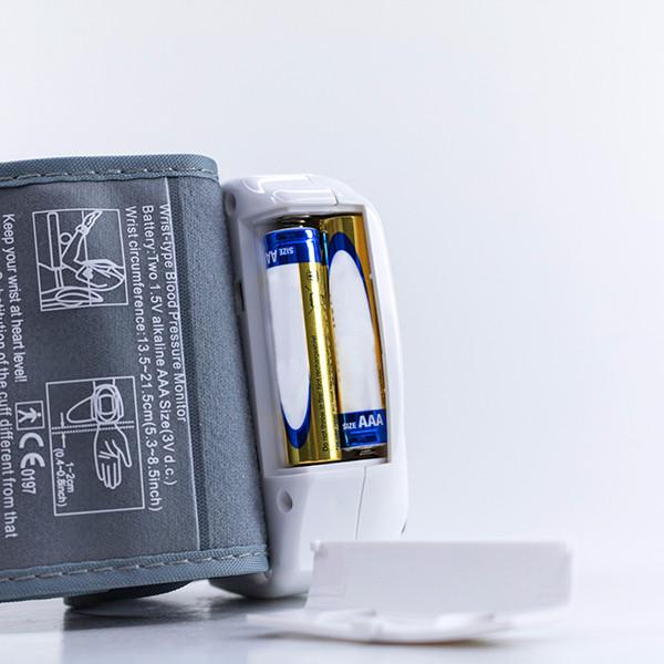 Tensiómetro Digital de Muñeca Adore