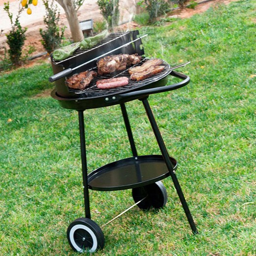 Barbecue Redondo com Bandeja e Rodas