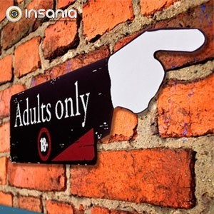 Placa de Madeira Adults Only 18