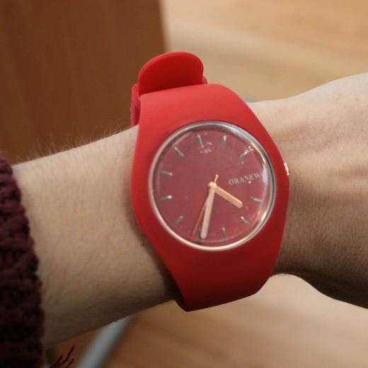 Relógio de Pulso Vermelho