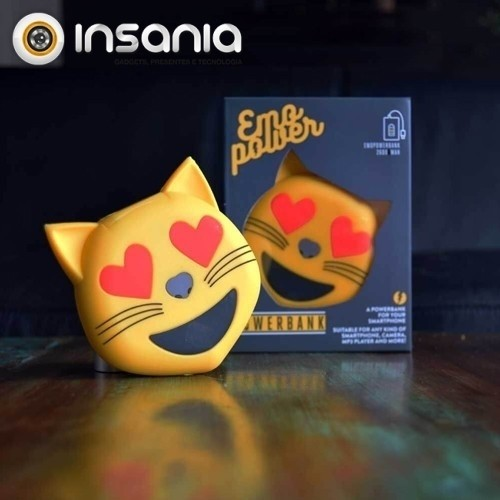 Power Bank Emoticono Gato Corazones
