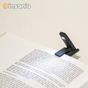 e70f31672652 Mini Luz de Leitura Dobrável Esta luz prática e compacta é o companheiro de  leitura perfeito sempre que viaja. Basta prendê-la à capa do livro que está  a ...