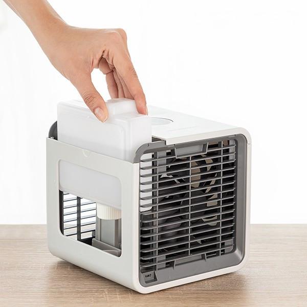 Mini Climatizador a Vapor Portátil com LED Freezy Cube
