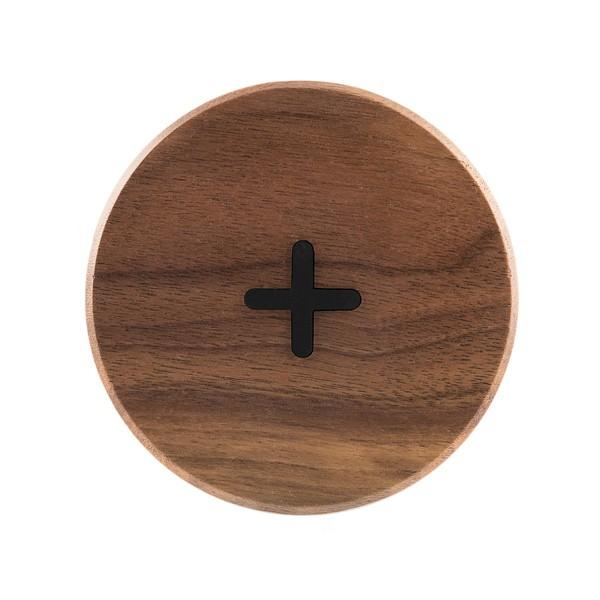 Cargador de madera inalámbrico de nogal